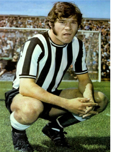 Malcolm Macdonald Newcastle United Footballer (Postcard)