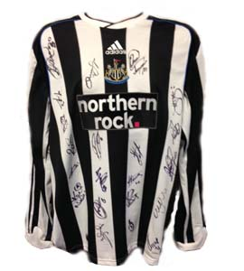 Newcastle United 2009/10 Home Shirt (Signed)