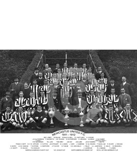 Newcastle United: Trophy Winners 1911-12 (Print)