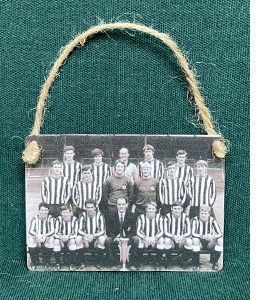 1968/69 Fairs Cup Winning Squad (Metal Dangle)