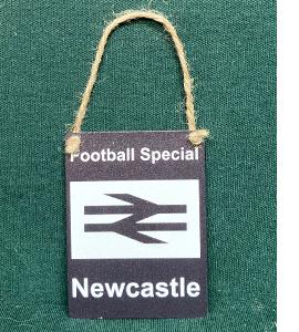 Football Special Newcastle (Metal Dangle)