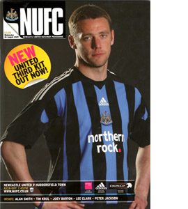 Newcastle United v Huddersfield Town  Lge Cup 09/10 (Programme)