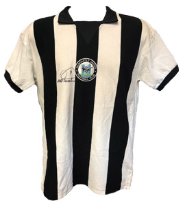 Newcastle United 1978 Home Strip signed by Peter Withe (Signed)